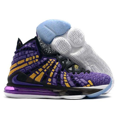 کفش بسکتبال لبرون 17