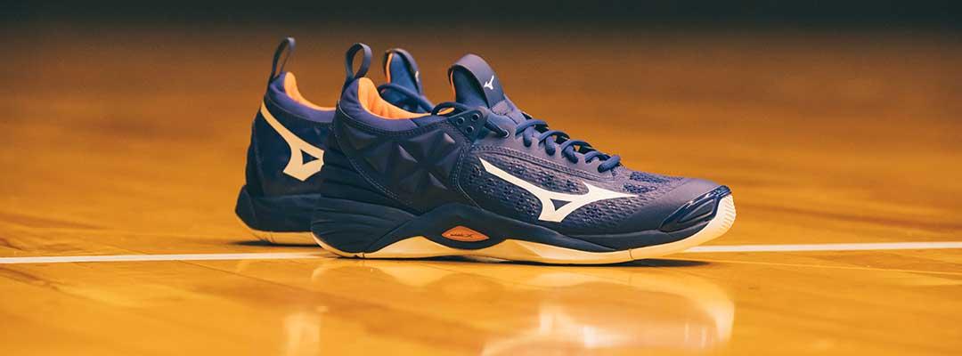 کفش والیبال